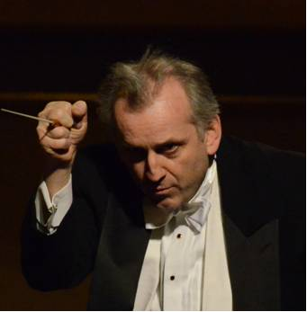 Drostan Hall, conductor