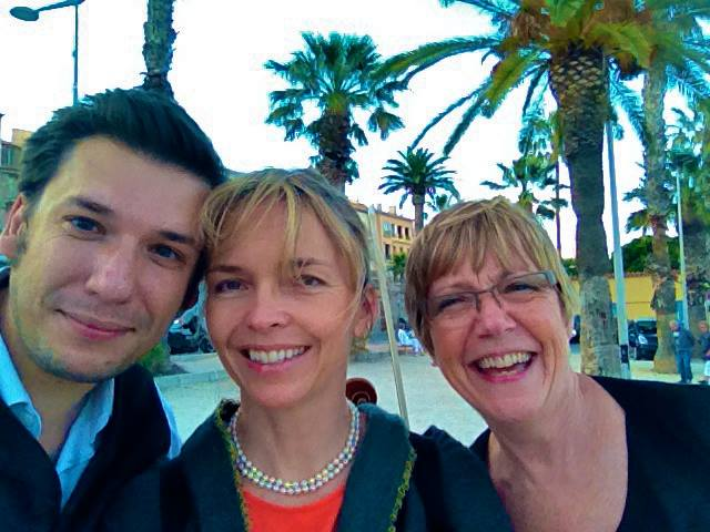 Aurelien Petillot, Ariane Hall and Susan Saylor under the palm trees in Bandol, France. By Aurelien Petillot.
