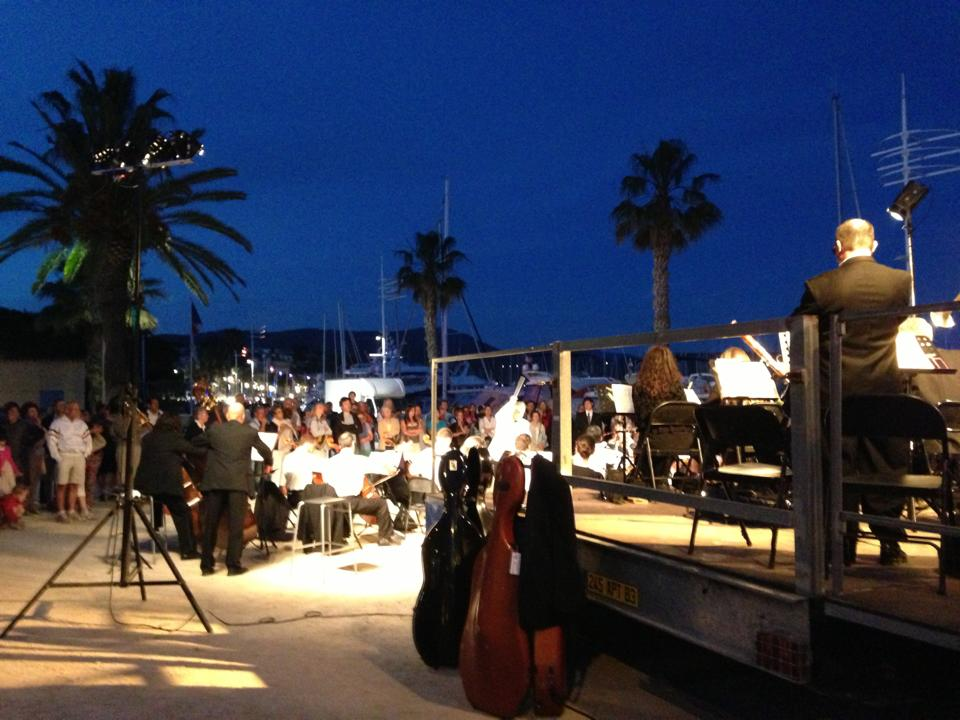 The orchestra playing in the twilight at  Fête de la Musique, Bandol, France. By Laura Smith.