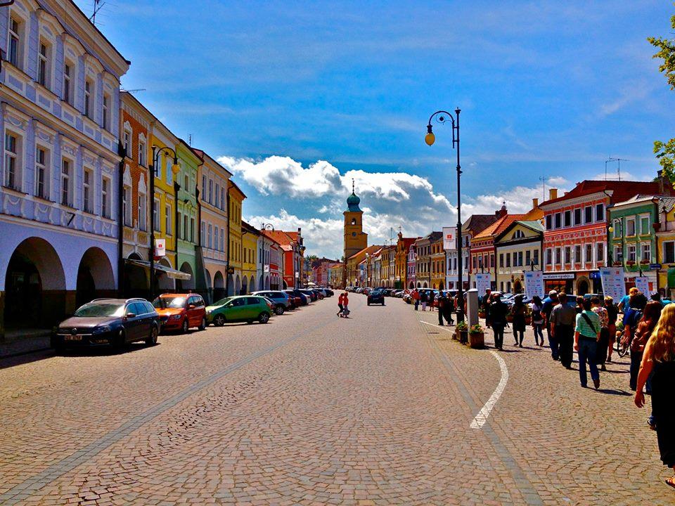Litomyšl town square. By Aurelien Petillot.