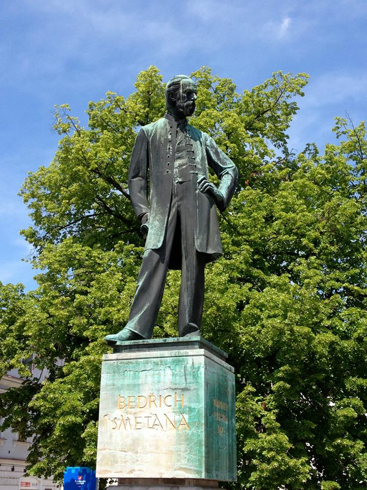 Statue of Smetana in Litomyšl! By Aurelien Petillot.