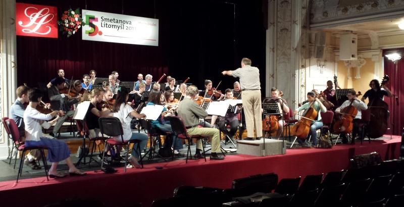 Camerata Chicago rehearsing at Smetanova Litomyšl.